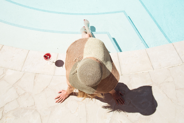 Hotel Royal Evian - Little Guest Collection Woman Swimming Pool