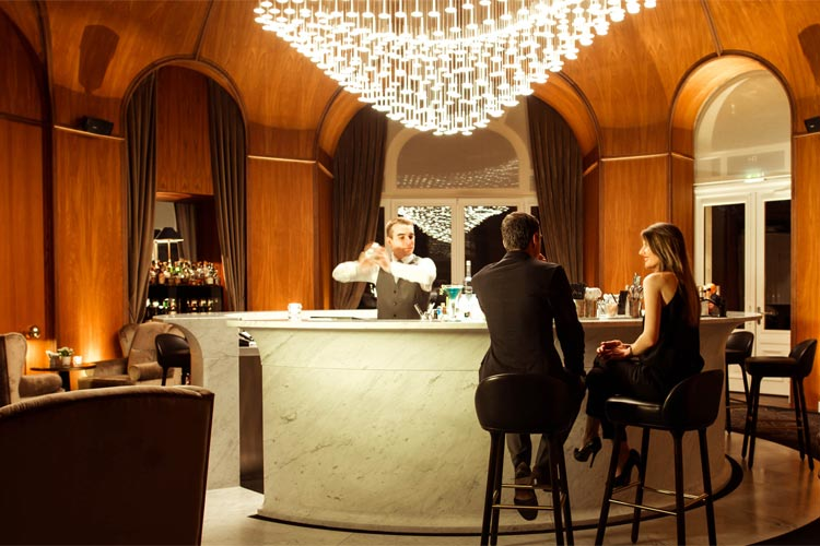 Royal Evian Hotel-Bar