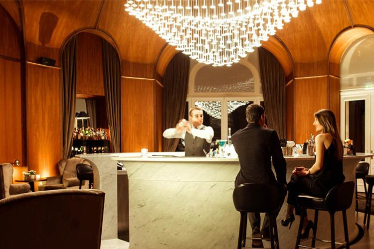 Bar Royal Evian hotel