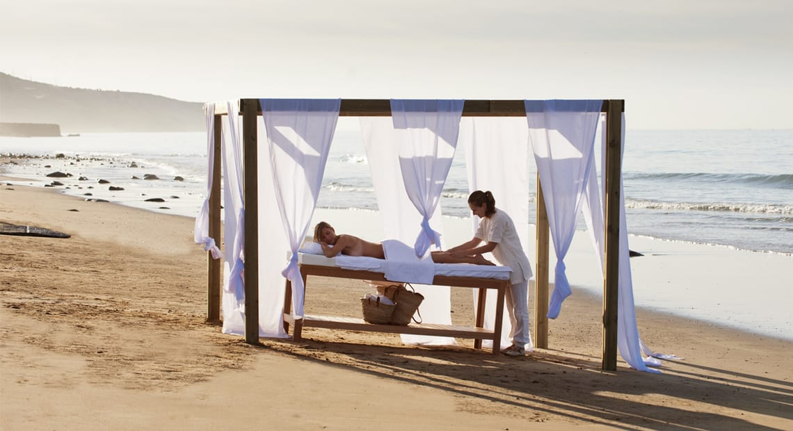 Relaxing massage by the beach