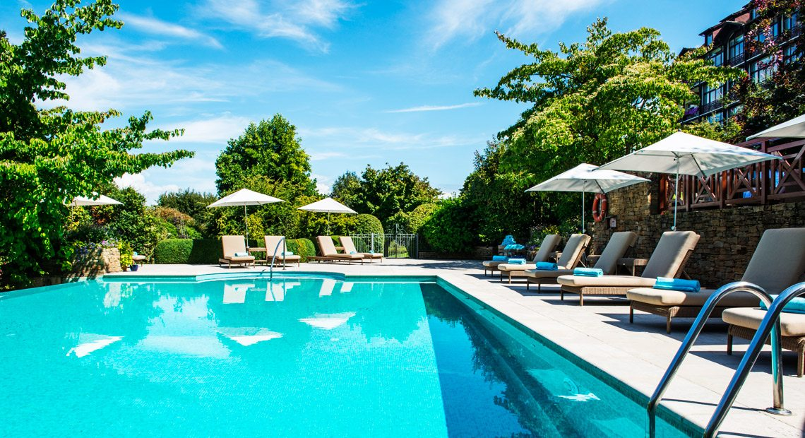 Hotel Evian Ermitage-swimming pool