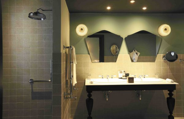 The bathroom of Suite Family Loft Le Domaine de Manville *****