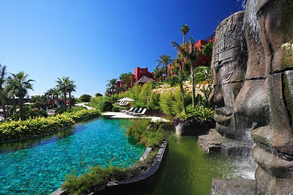Asia Gardens Hotel & Thai Spa pools and gardens