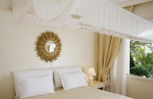 Double bed in a room of Capri Palace Hotel & Spa