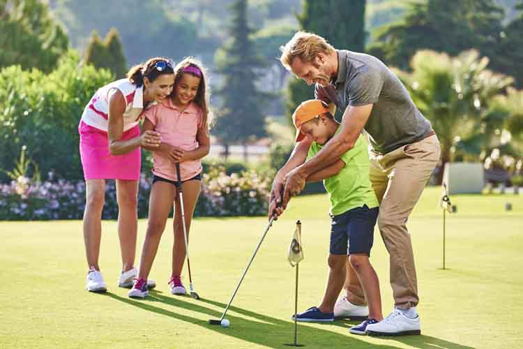 Martinhal Quinta Kids and parents playing golf