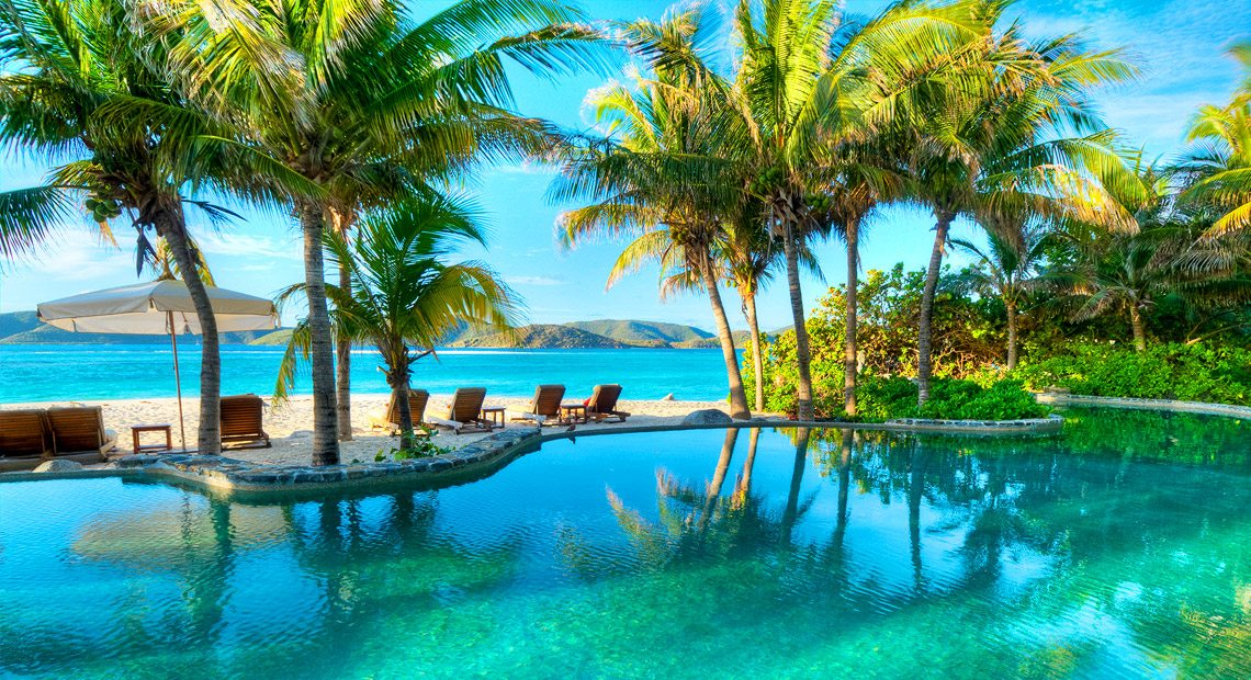 Necker-Island-Swimming pool and view on the sea