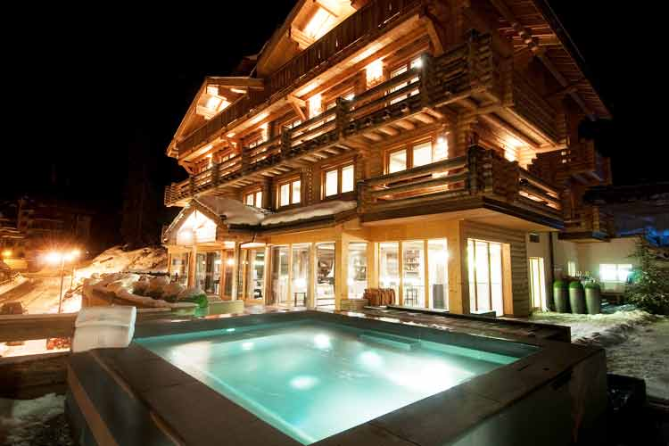 The Lodge Verbier-night view
