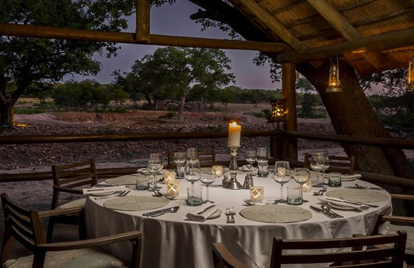 Round table for diner Ulusaba Private Game Reserve