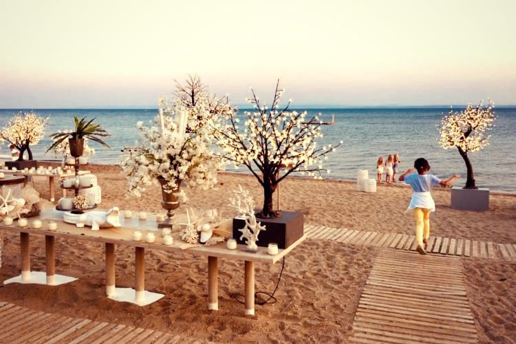 An event organized on the beach of Ikos Olivia