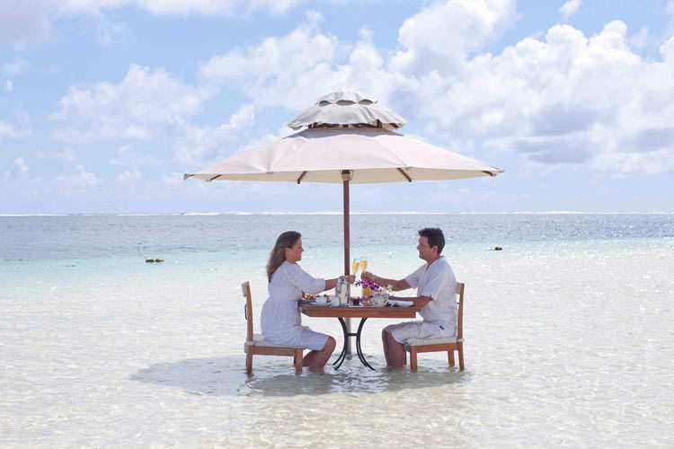 Lux Belle Mare Mauritus-diner in the water