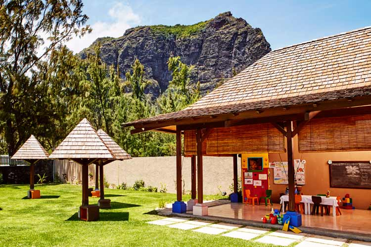 Lux-Le-Morne-Mauritius-Kids Club Play