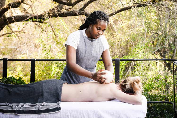 Singita-Castleton-spa massage