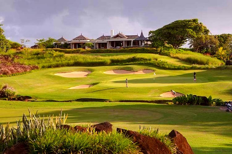 The amazing Avalon Golf Estate Club near to the luxury family hotel Shanti Maurice