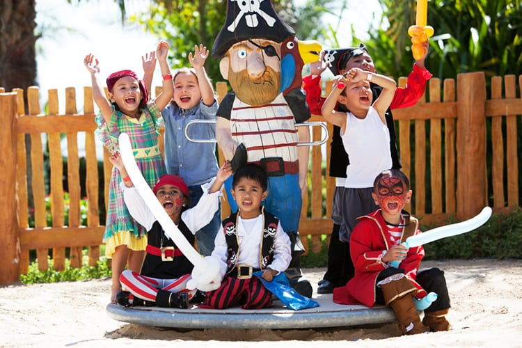Kids playing the pirates at Atlantis The Palm Dubaï