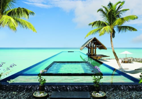 One-Only-Reethi-Rah view of the pool