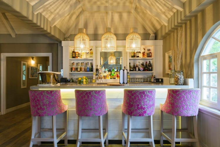 The Bartley's Restaurant bar at Blue Waters Resort & Spa