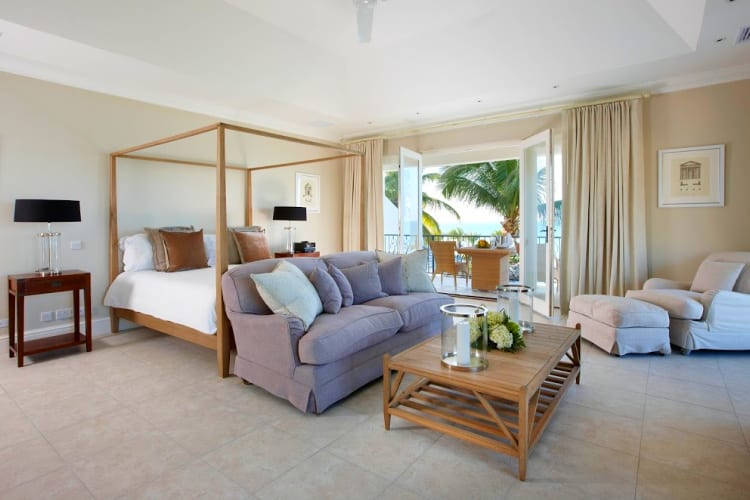 The Turtle Cottage room and living room at Blue Waters Resort & Spa