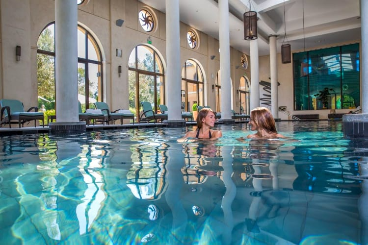 Indoor pool Terre Blanche Hôtel Spa Golf Resort *****