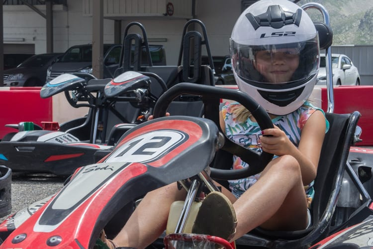 Little-Guest-Hotels-Collection-Sport-Hotel-Hermitage-Karting-Girl