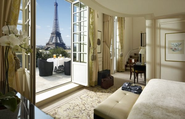 Shangri-La Paris Bedroom with the Eiffel Tower view