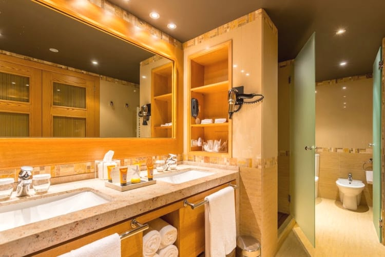 Bathroom Sport Hotel Hermitage & Spa *****