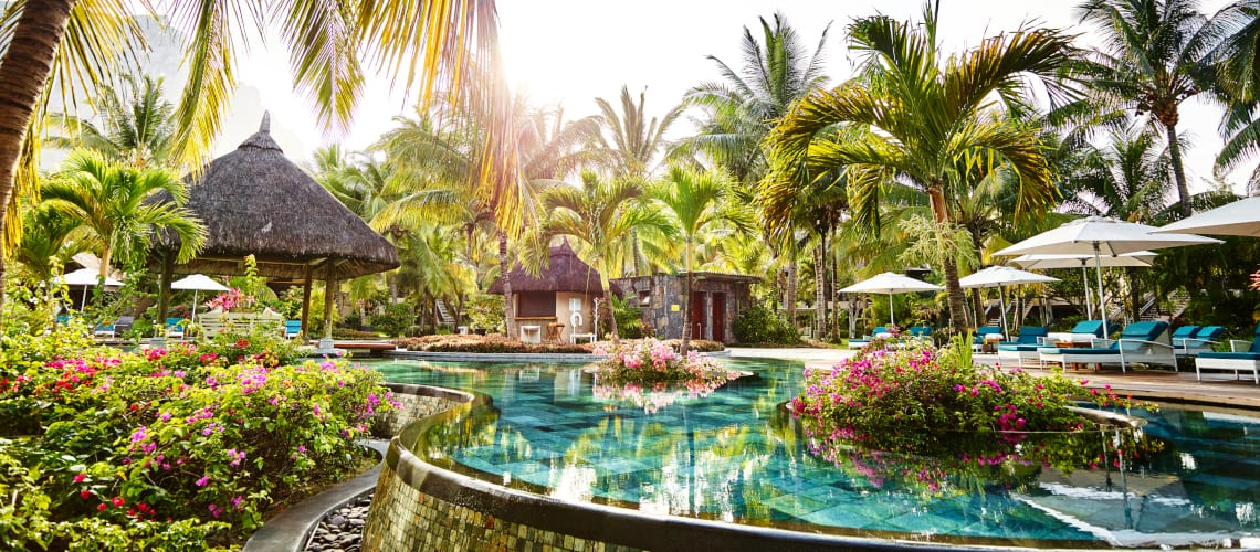 Little-Guest-Lux-Paradise-Pool-Maurice