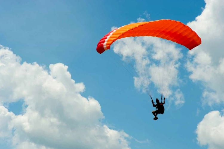 Parachute experience in Italy