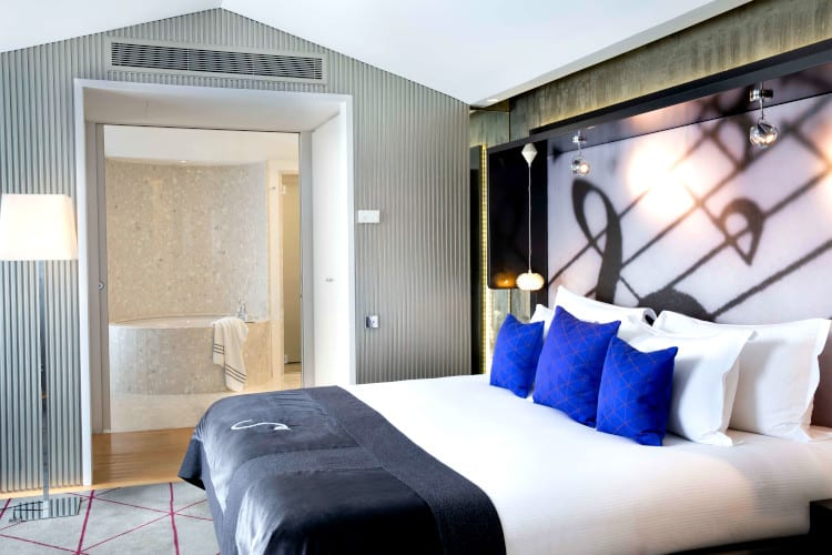 King-size bed at de Sers hotel in Paris