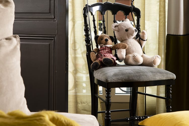 Welcome gifts and games for children staying at Edouard VII Hotel in Paris
