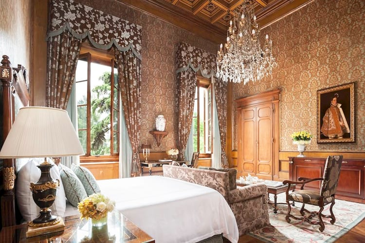 One of the Four Seasons Hotel Firenze bedrooms