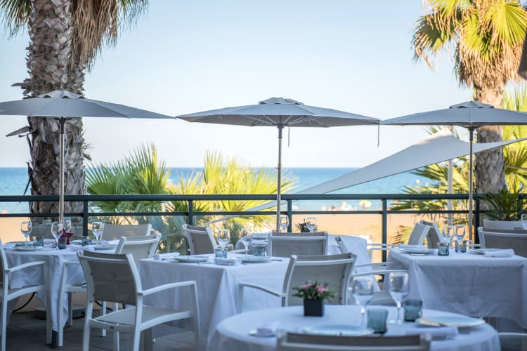 Beach restaurant of the The Flamants Roses hotel