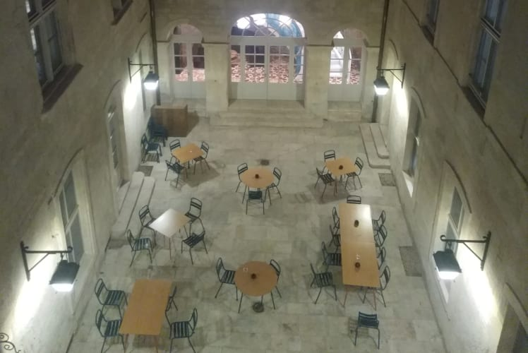 Little-Guest-hotels-Collection-Arlatan-inner courtyard