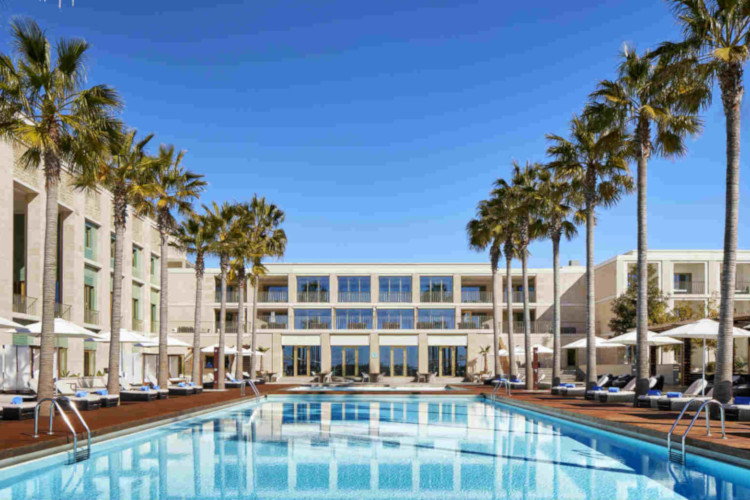 Main pool of the Anantara Vilamoura Algarve Resort *****