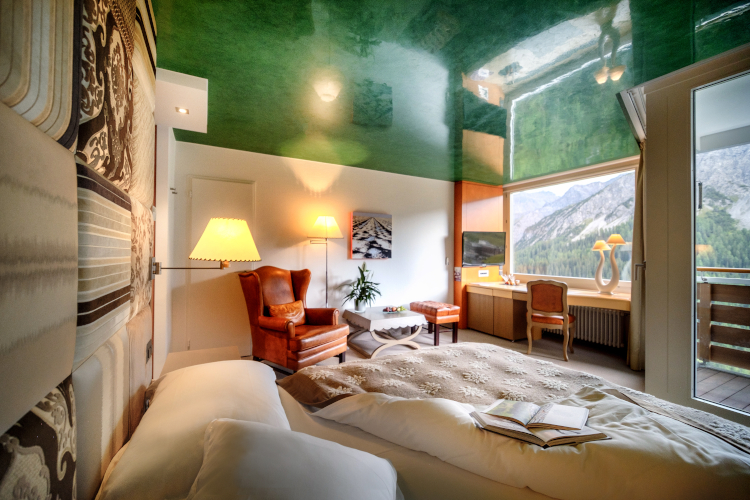 Little Guest Hotels Collection Tschuggen Deluxe Suite Mountain View