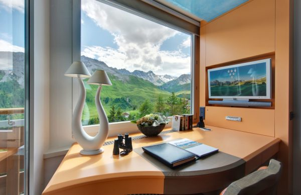 Little Guest Hotels Collection Tschuggen Desk Room Mountain View