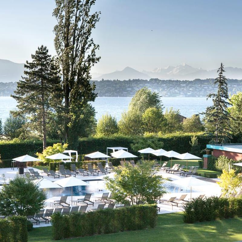 The amazing outdoor pool at the hotel La Reserve Geneve in Switzerland