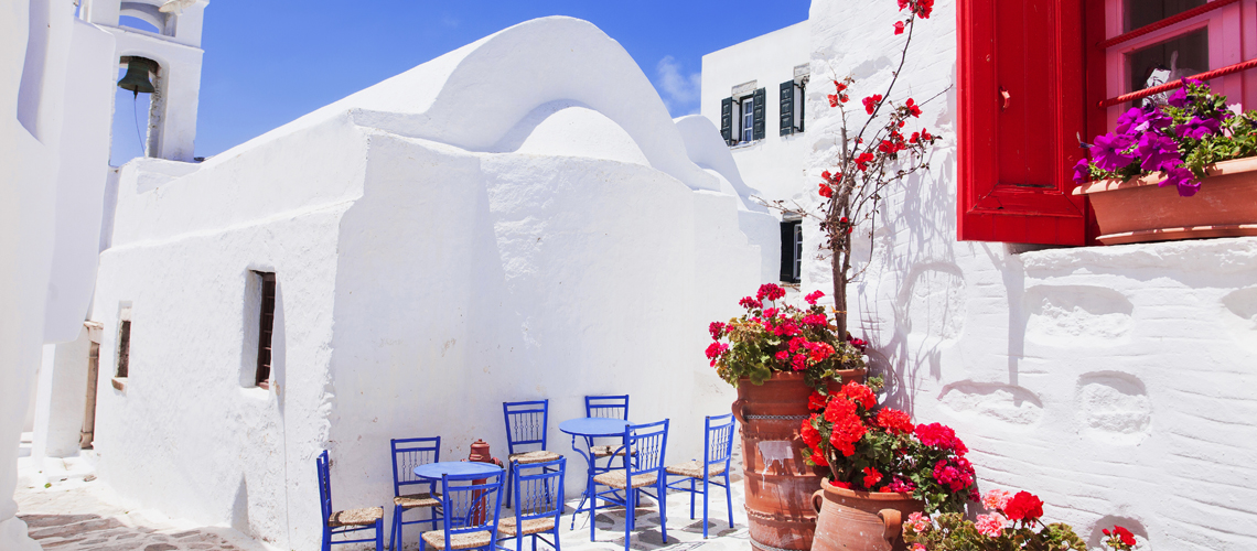 The atypical charm of Greek houses