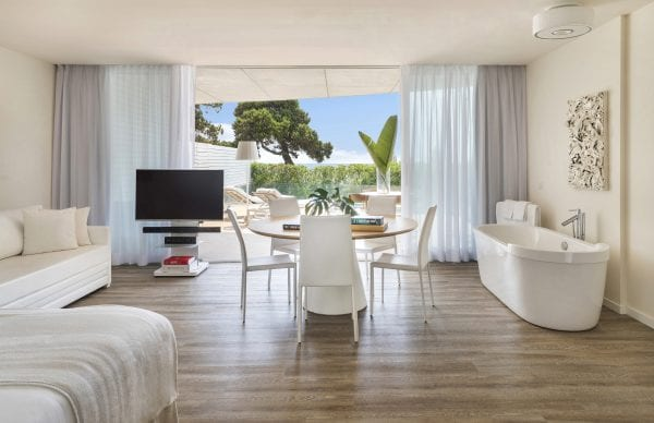 Little Guest Hotels Collection ME Ibiza Bedroom