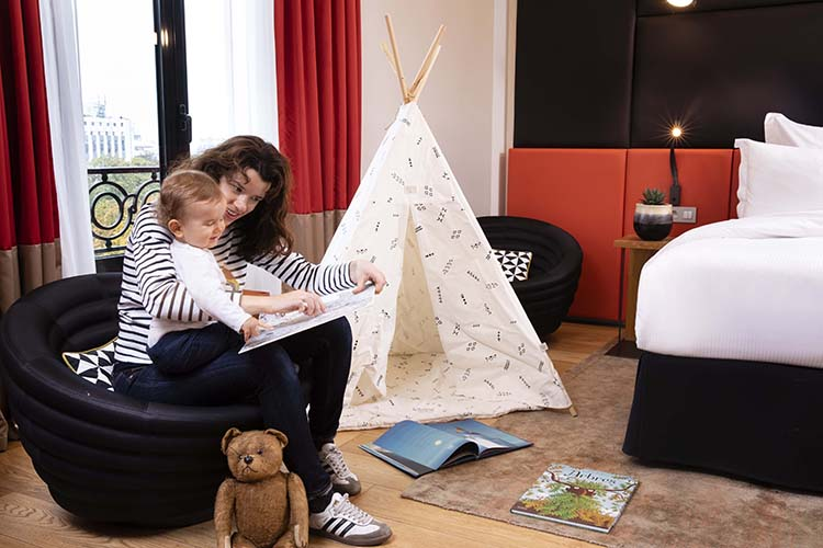 Mum kid tipi bedroom