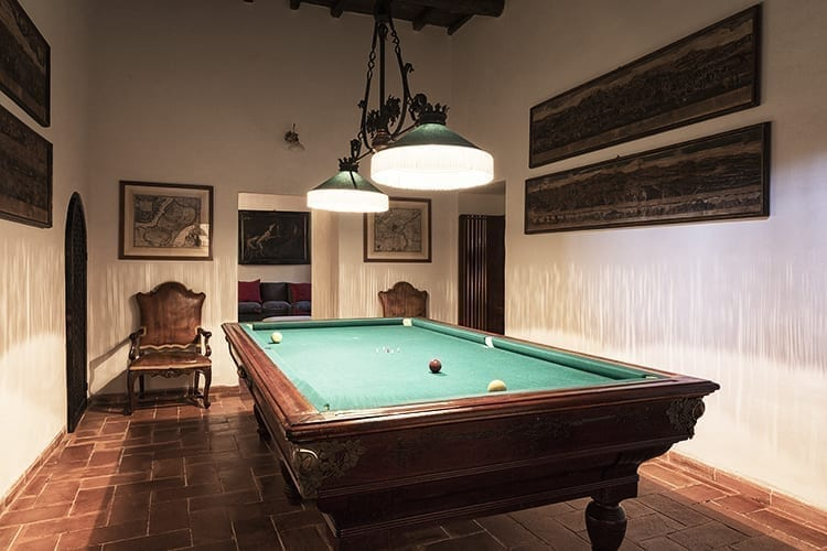 Villa Matilda Umbria billiard room