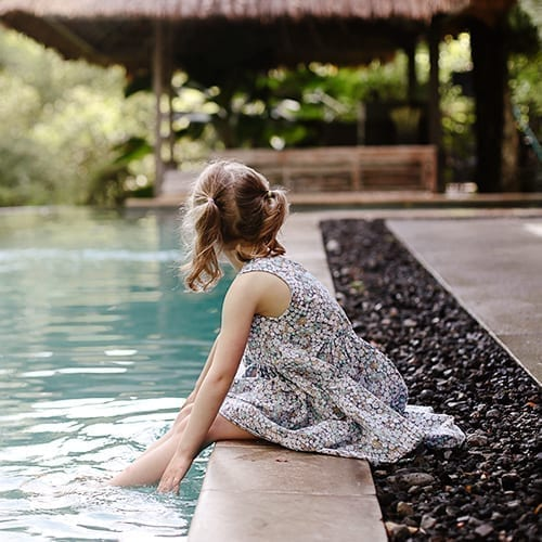 Dreamy stay with family in villas Little Girl Pool