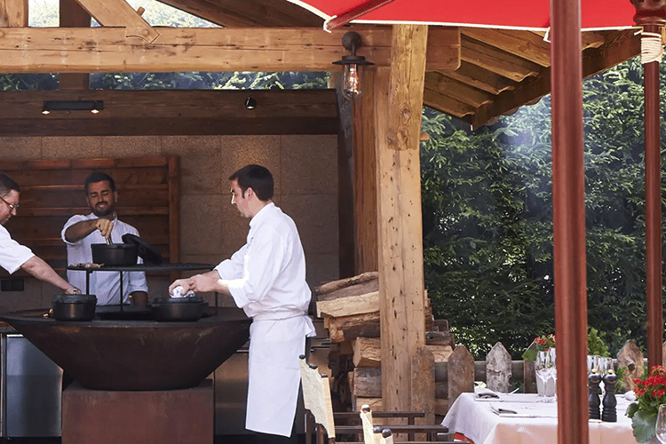 Le Chalet Chatel chef at home