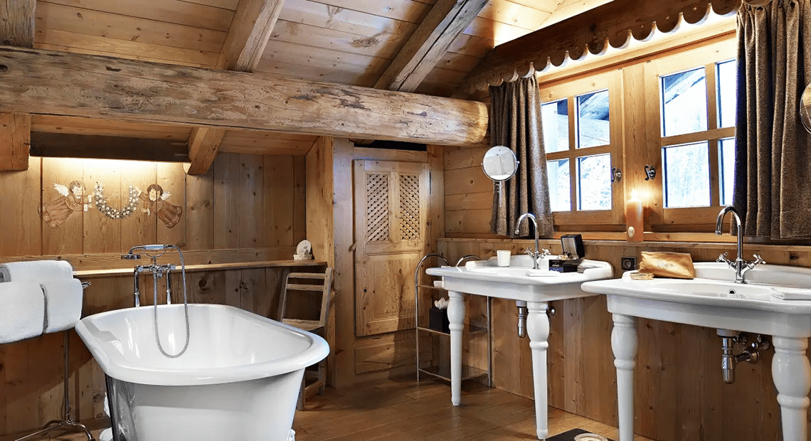Le Chalet Chatel bathroom with bathtub