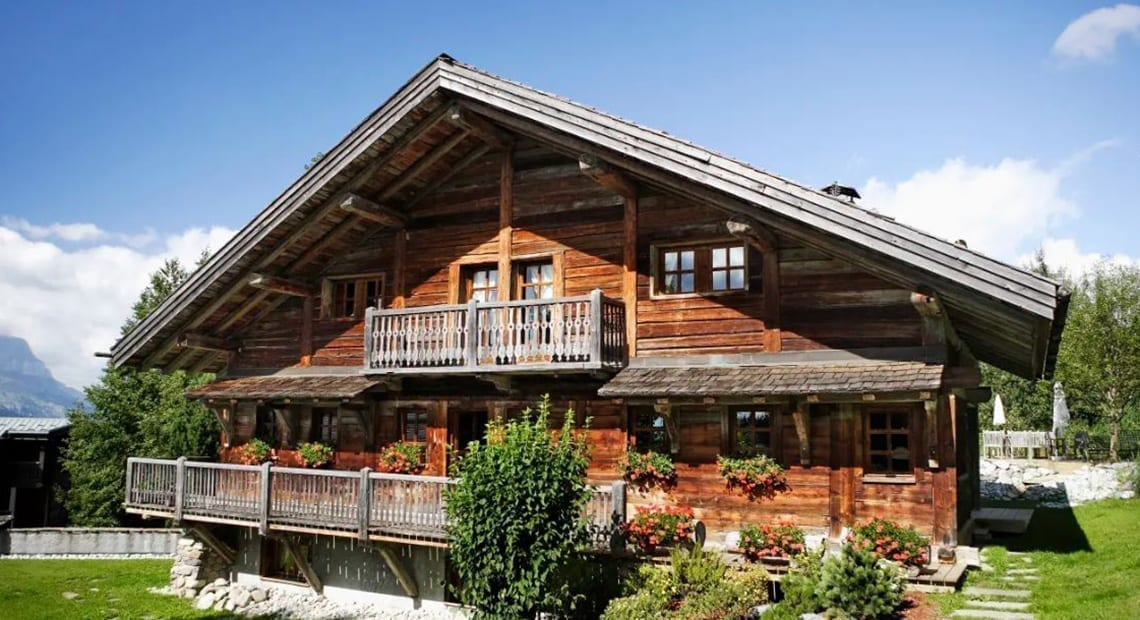 Le Chalet Chatel from outside
