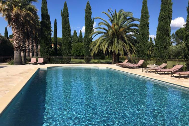 Domaine des Clos swimming pool