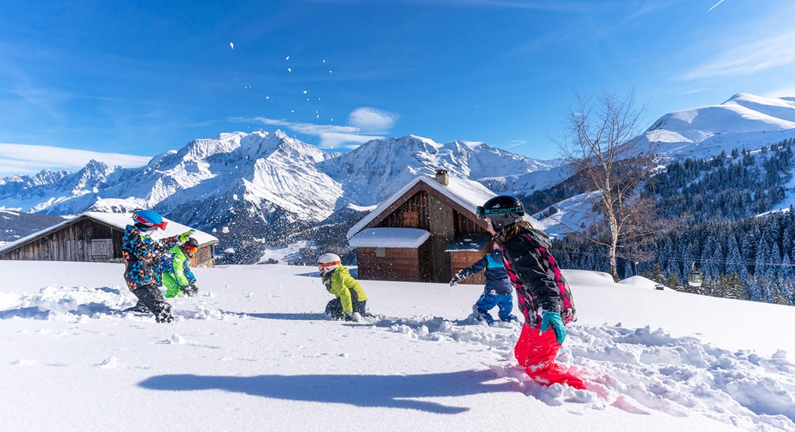 Kids skiing at Armancette