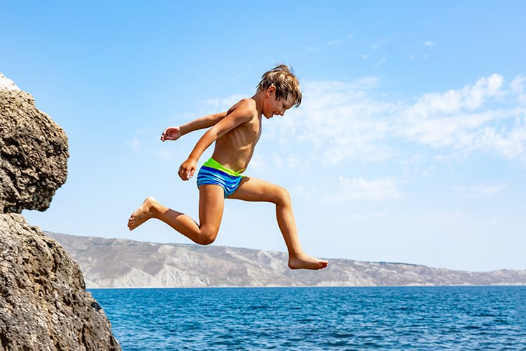7Pines young boy cliff diving