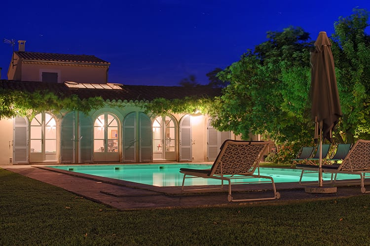 Pool by night Villa Capucine